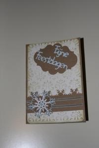 Simpele kaart met sneewkristal en embossing folder