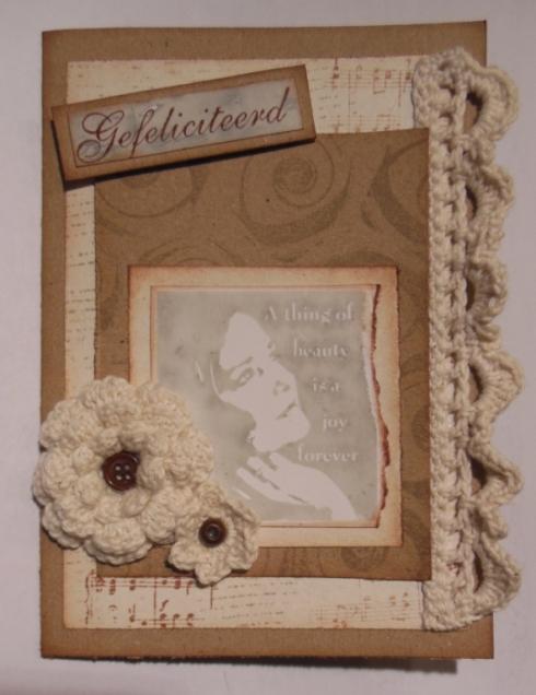 2013-09-25 vintage verjaardagskaart met Art Journey stempels en gehaakte bloemen en kant