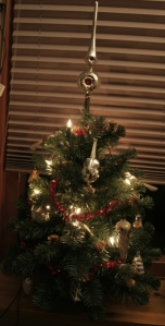 special ornaments mini tree1